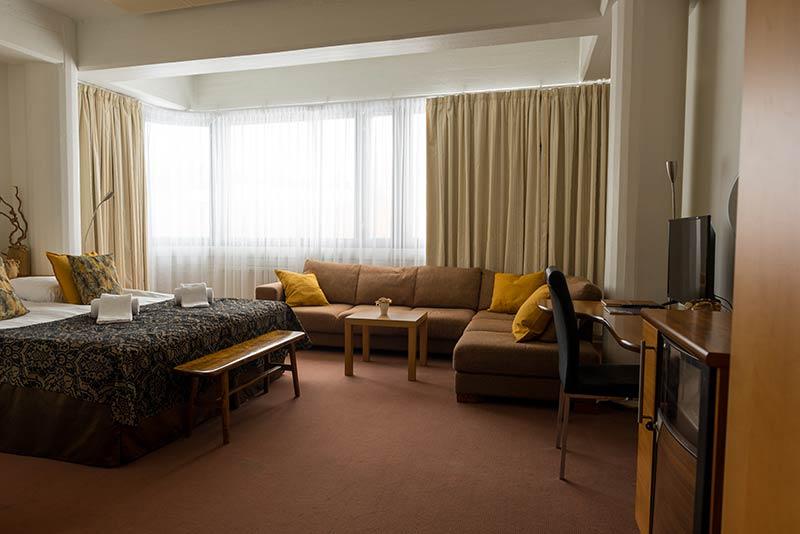 perhehuone isohuone hotellikumpu